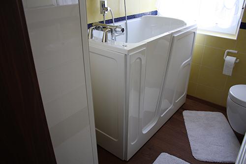 referenzen bad sanit r schneider. Black Bedroom Furniture Sets. Home Design Ideas